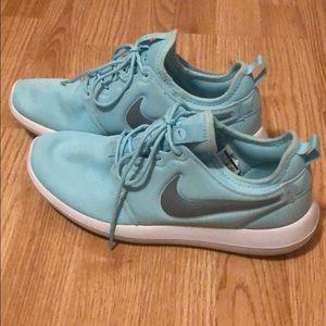 Tiffany Blue Nike Roshe Two